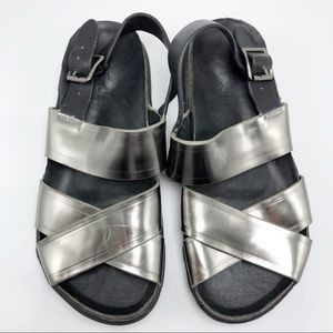 A7EIJE Metallic Silver Leather Sandal